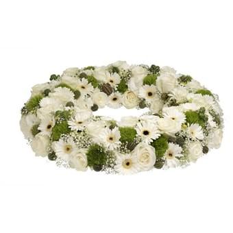 Trauerkranz mit weißen Rosen